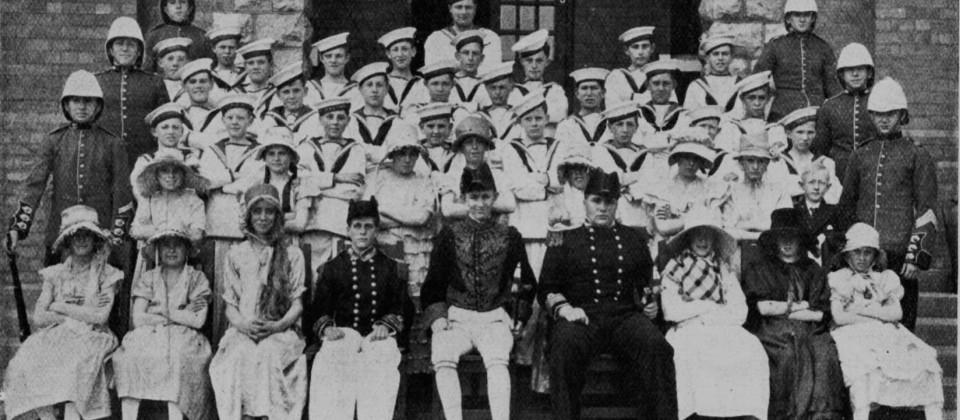 1930-HMS-Pinafore