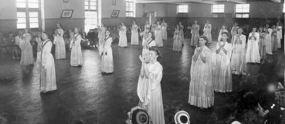 1950s-Ursuline-Girls-performing